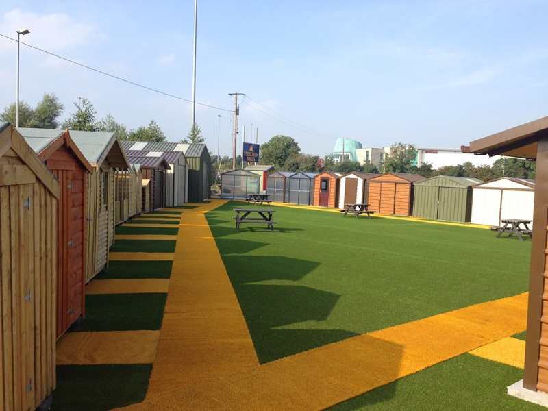 Artificial grass for retail display